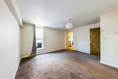 Studio to rent - Worthing