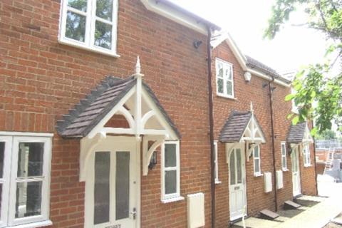 2 bedroom terraced house to rent - Alwyn Road, Maidenhead, Berkshire, SL6