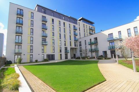 Studio to rent - The Hayes, Cardiff