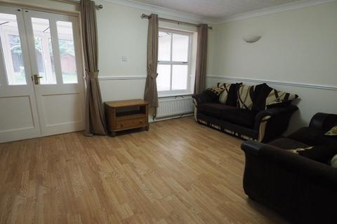 3 bedroom semi-detached house to rent - The Haven, Victoria Dock, Hull, HU9 1TH