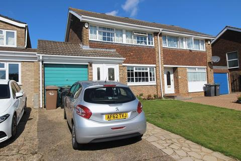 3 bedroom semi-detached house for sale - EXTENDED THREE BEDROOM, THREE RECEPTION ROOM PROPERTY on Leyhill Drive