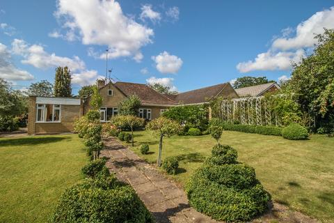 4 bedroom bungalow for sale - Whitchurch, Hampshire RG28