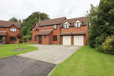 6 bedroom detached house to rent - Meadway, Bury