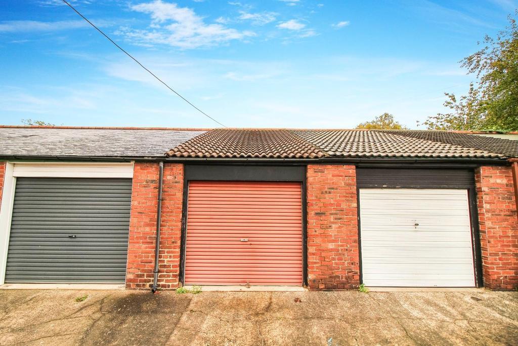 ,garage.jpg