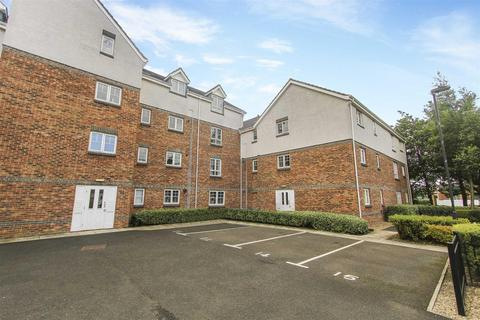 3 bedroom flat for sale - Bishopbourne Court, Preston Grange, North Shields