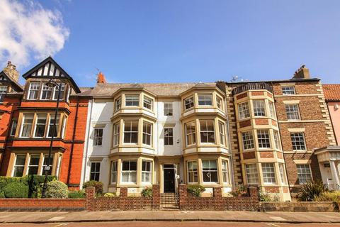 3 bedroom flat for sale - St Oswins Mews, Tynemouth