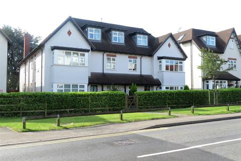 2 bedroom apartment to rent - Wordsworth House, Belwell Place, Belwell Lane, Four Oaks, B74 4AW