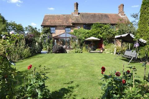 5 bedroom detached house for sale - Bath Road, Halfway, Newbury, Berkshire, RG20