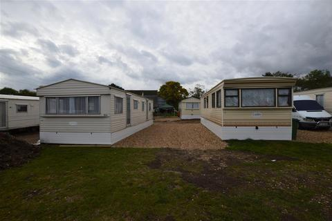 2 bedroom mobile home to rent - Lossie nursery, Langley Park Road, Iver
