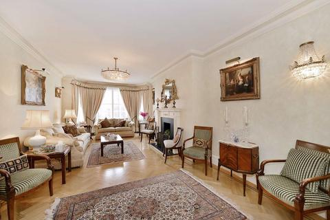 4 bedroom flat for sale - Grove Court, London, NW8
