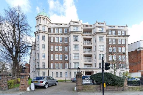 4 bedroom flat - Grove Court, London, NW8