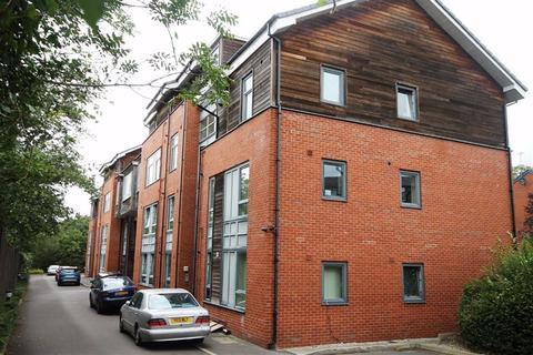 2 bedroom flat for sale - Wellington Road, Monton