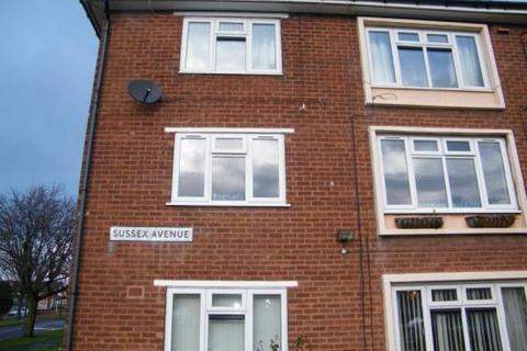 2 bedroom flat to rent - Sussex Avenue, Aldridge