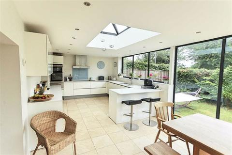5 bedroom detached house for sale - 12 East Street, Lilley, Herts