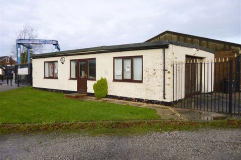Office to rent - Warrington Lane, Lymm