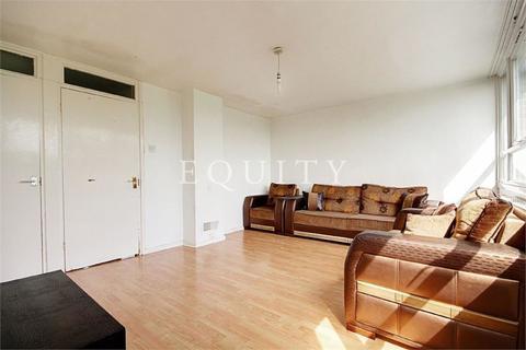 3 bedroom maisonette to rent - Bowood Road, Enfield, EN3