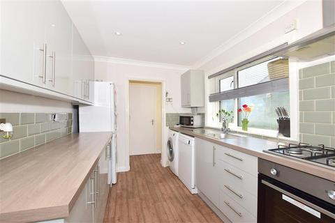 3 bedroom terraced house for sale - North Road, Queenborough, Kent
