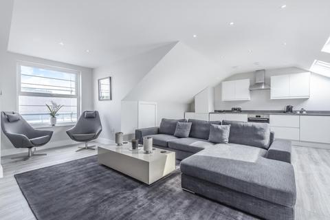 2 bedroom penthouse for sale - Manor Vale, Brentford