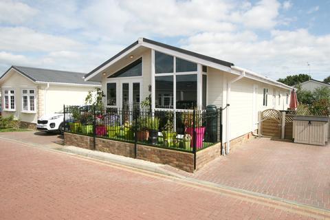 2 bedroom park home for sale - Blossom Close, Woodlands Park, Biddenden TN27