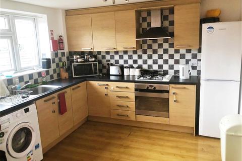 3 bedroom flat to rent - West Drayton, UB7