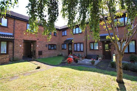2 bedroom terraced house for sale - Denewood, High Wycombe, Buckinghamshire, HP13