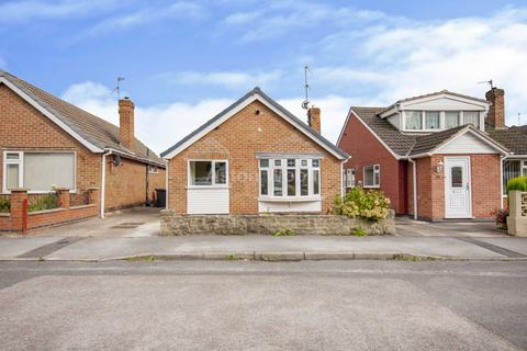 3 bedroom bungalow to rent - Maycroft Gardens, Carlton, Nottingham NG3 6JW