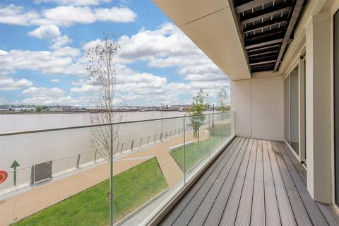 2 bedroom apartment for sale - Liner House, 16 Admiralty Avenue, Royal Wharf, London, E16