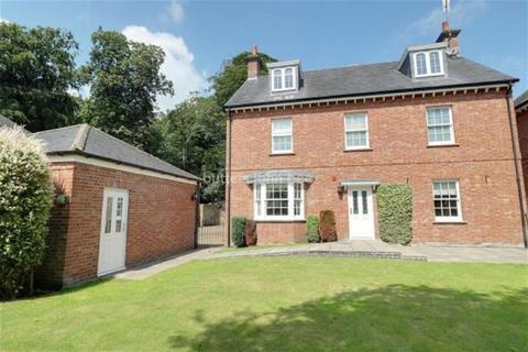5 bedroom detached house to rent - The Gardens, Lawton Hall Drive, Church Lawton