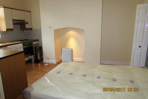 Studio to rent - Paradise Street, Audenshaw, Manchester M34 5JL