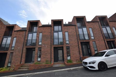 3 bedroom mews to rent - Loney Street, Macclesfield