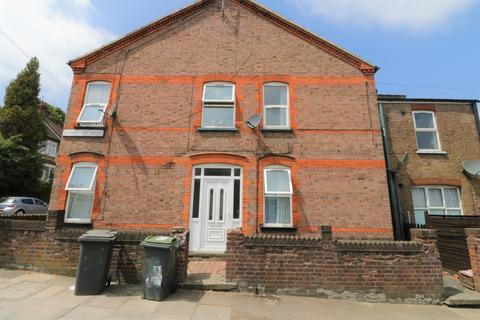 1 bedroom house share to rent - Lyndhurst Road, Luton LU1