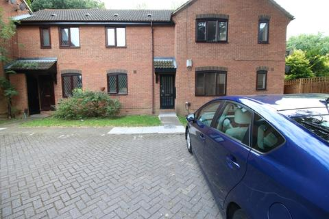 2 bedroom flat to rent - Hammet Close, HAYES, Middlesex, UB4