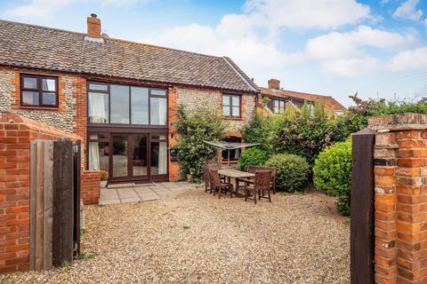 3 bedroom barn conversion for sale - Weybourne