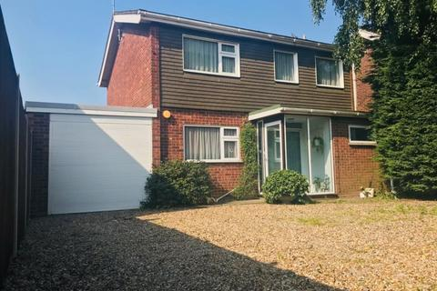 3 bedroom detached house for sale - Plumstead Road, Norwich