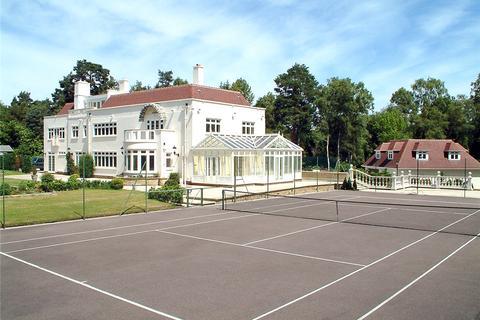 6 bedroom detached house to rent - Stayne End, Virginia Water, Surrey, GU25