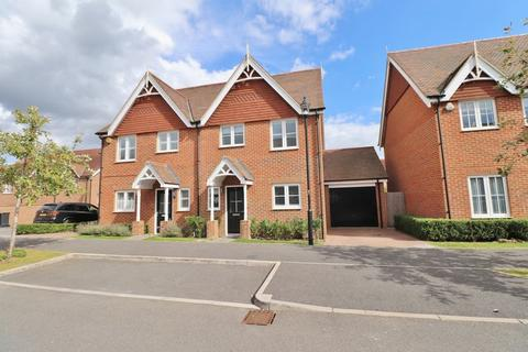 3 bedroom semi-detached house for sale - Shearing Drive, Burgess Hill, West Sussex,