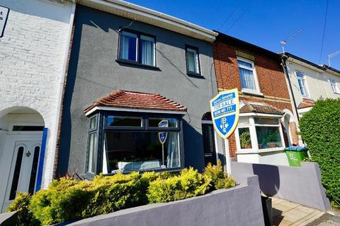 3 bedroom terraced house for sale - Swift Road, Woolston, Southampton, SO19 9FL