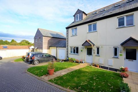 3 bedroom semi-detached house to rent - Brays Place, St. Austell