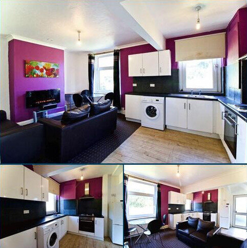 4 bedroom detached house to rent - Stile Common Road, Huddersfield