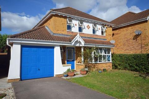 4 bedroom detached house to rent - Vickers Road, Aldershot