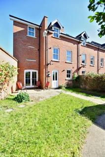 1 bedroom house share to rent - Garland Road, Colchester CO2