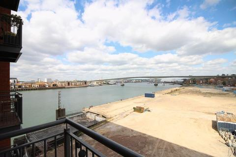 1 bedroom apartment for sale - Centenary Plaza, Woolston