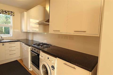 2 bedroom flat for sale - Whymark Avenue, Wood Green