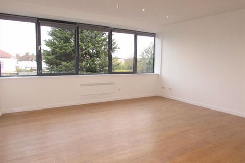 Studio to rent - FURNISHED STUDIO APARTMENT -close to train station