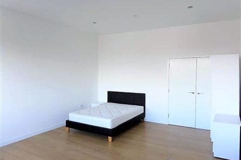 Studio to rent - LARGE & BRIGHT MODERN STUDIO