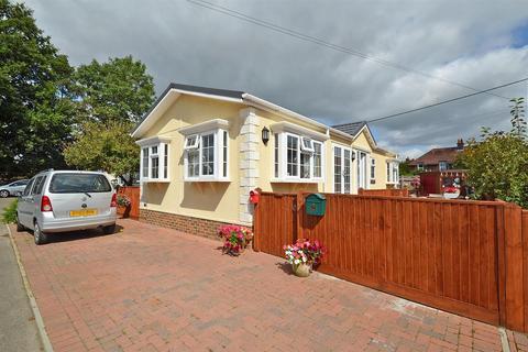 park homes for sale in hailsham east sussex