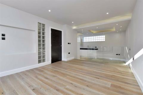 3 bedroom townhouse for sale - School Lane, Market Harborough, Leicestershire
