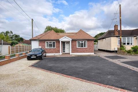 3 bedroom bungalow for sale - Southend Road, Chelmsford, Essex