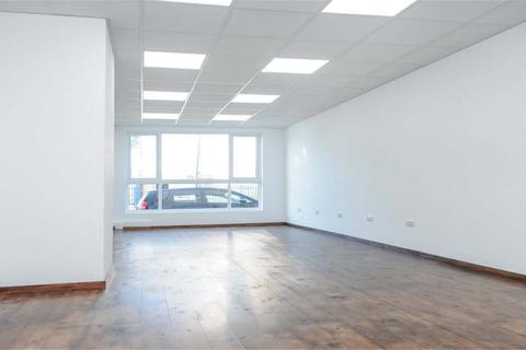 Property to rent - Lyon Way, GREENFORD, Middlesex, UB6