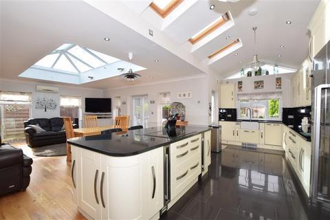 4 bedroom bungalow for sale - Bromley Green Road, Ruckinge, Ashford, Kent